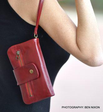 ארנק עור מעוצב לאישה בעבודת יד - דגם נפה אדום