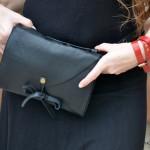תיק פאוץ' רב שימושי עשוי עור שחור מעוצב בעבודת יד