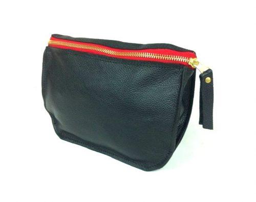 פאוץ' עור שחור הכולל חגורה מעוצב בעבודת יד - דגם רוכסן אדום